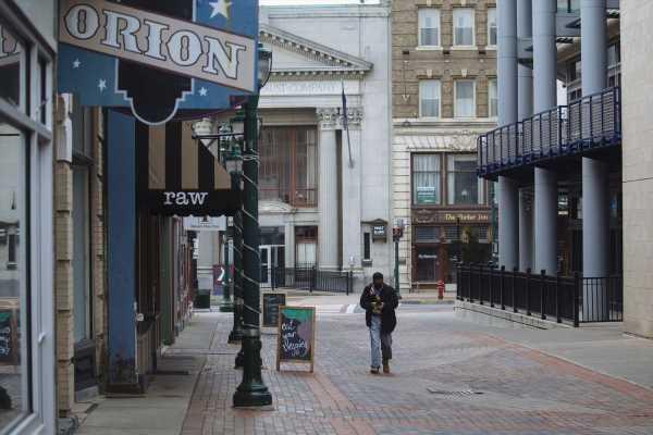 N.Y. Tax Revenue Plummeted 68% in April, State Comptroller Says