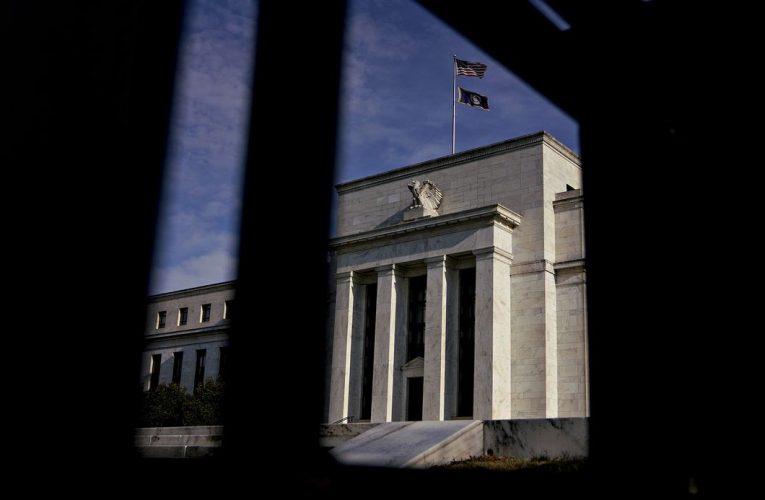 Fed Puts Floor Under Bond Buying, Sees Zero Rates Through 2022