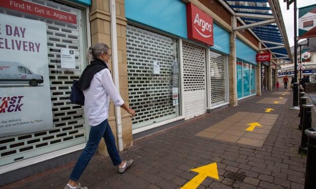 UK public is borrowing less – but economic fears could reduce spending