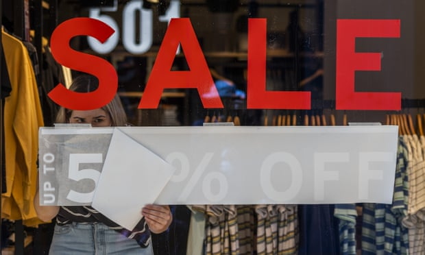 UK retailers remain gloomy about quick post-lockdown bounce back