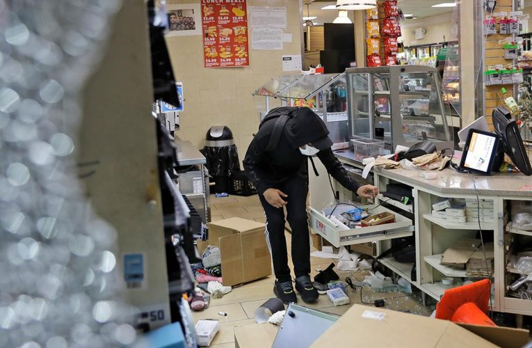 Looting costs businesses in major metro areas at least $400M, experts estimate