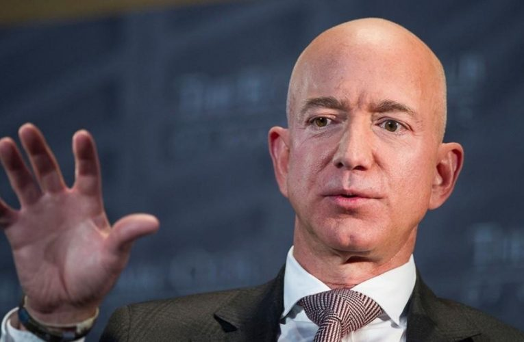 How Jeff Bezos helped Amazon overcome a major competitor to become an ecommerce giant