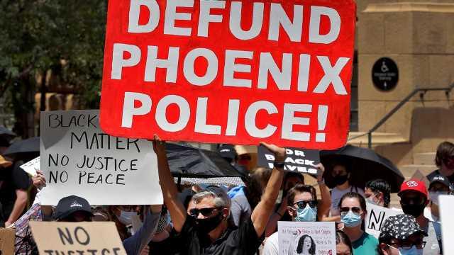 Sanders rejects dismantling police departments
