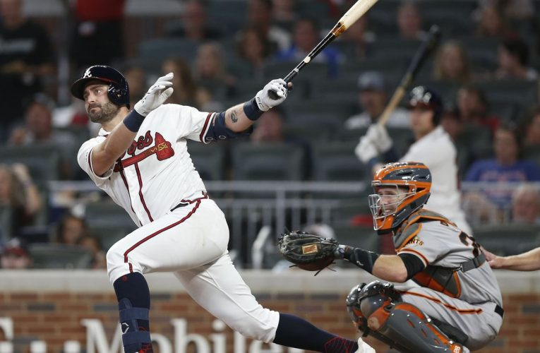 Buster Posey Becomes Latest Baseball Star to Sit Out Season