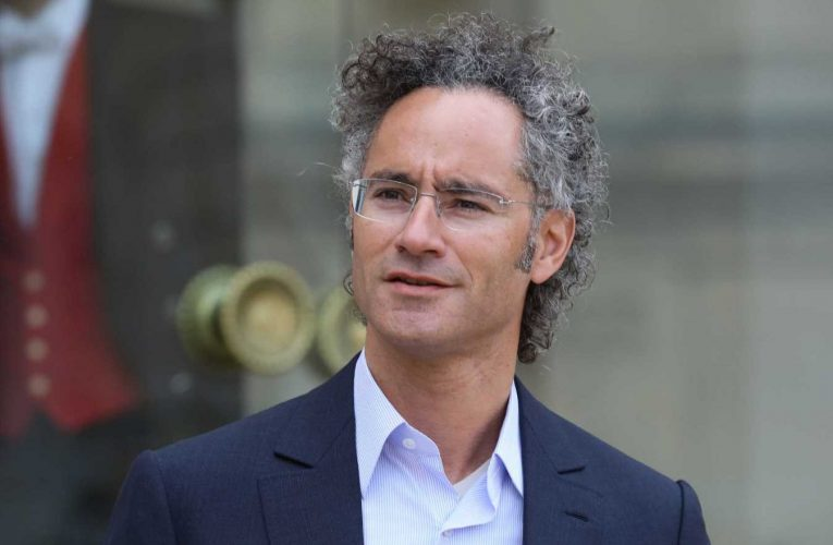 Palantir says in updated filing it expects 42% revenue growth this year to $1.06 billion