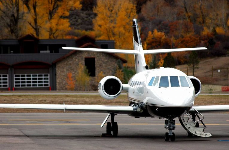 Private jet traffic to the Hamptons and Aspen is booming as the rich flee big cities