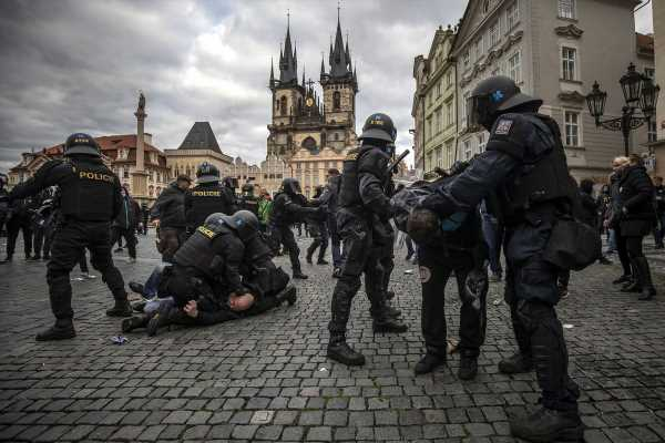 Czech Police Clash With Protesters Opposing Covid-19 Curbs
