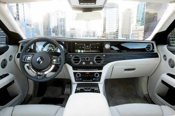Rolls-Royce'sNew Car Was So Quiet at First, It Made Drivers Nauseous