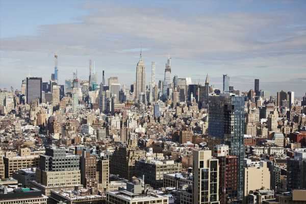 Manhattan Homebuying Market Echoes 2009 With Inventory Pileup
