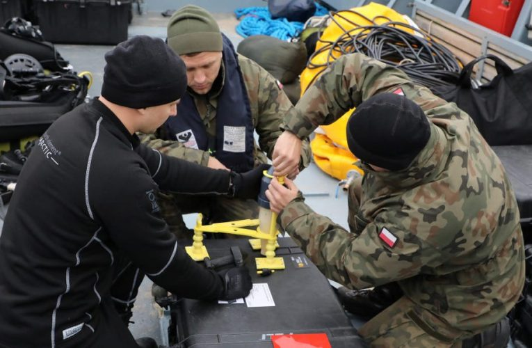 Navy divers in Poland are defusing the largest World War II-era bomb ever found there