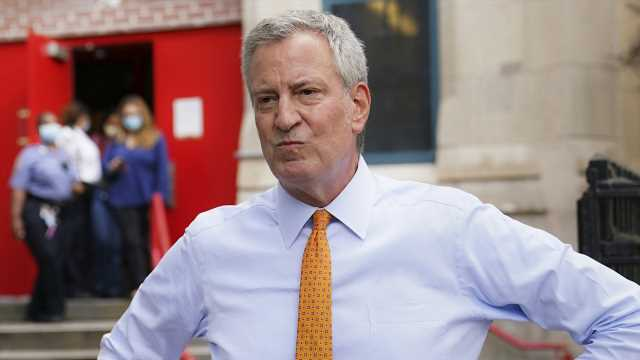 De Blasio considering shutting down early voting sites in area under COVID lockdown: report