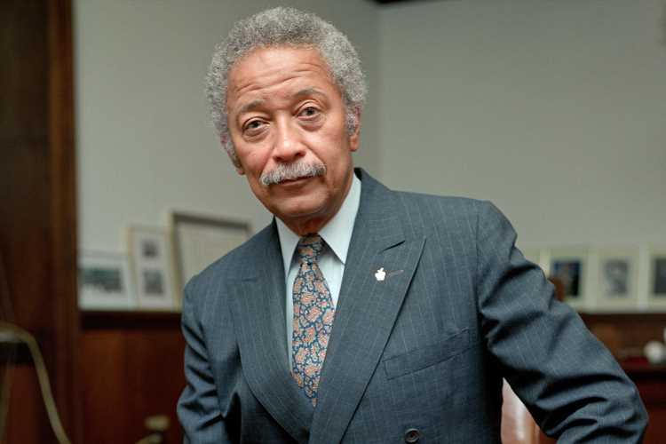 New York City's First Black Mayor David Dinkins Dies at 93