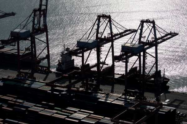 Korea Export Recovery Continues With Daily Shipments Rising