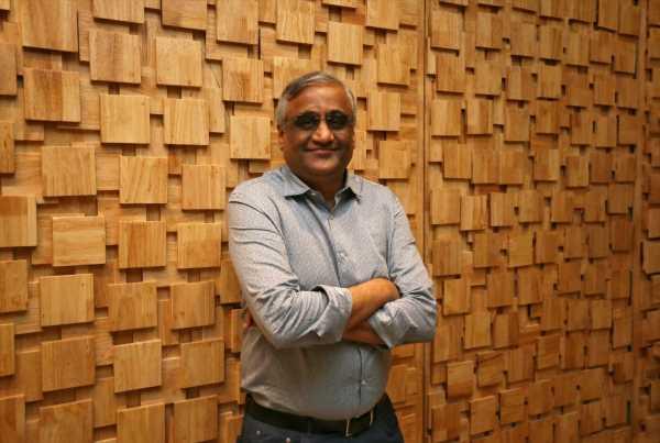 What if Kishore Biyani wins the battle against Amazon?