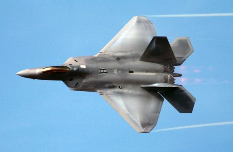 An F-22 pilot in a real jet just took on China's J-20 in an augmented-reality dogfight