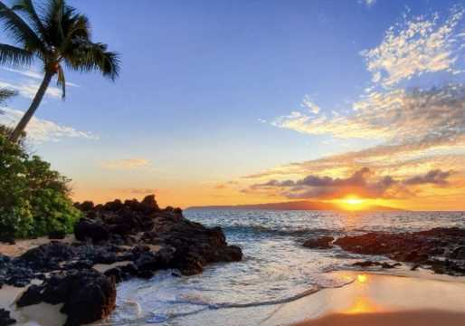 California lawmakers defend Hawaiian trip as criticism mounts