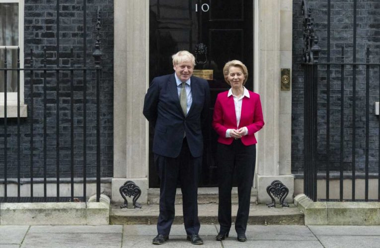 UK, EU call in leaders to save trade talks