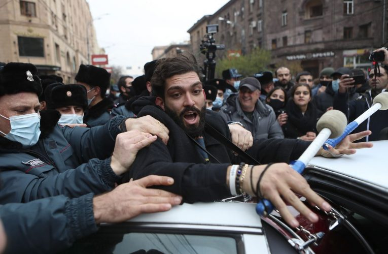 Protesters Block Roads to Demand Armenian Premier's Resignation