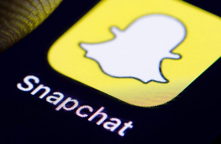 How to use Snapchat to communicate with friends in various ways on the multimedia messaging app