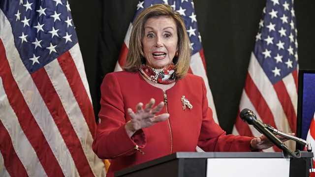 Pelosi presses McCarthy to agree to bigger stimulus checks after Trump intervention