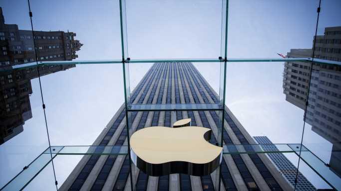 Apple Races Into $400 Billion Revenue Year