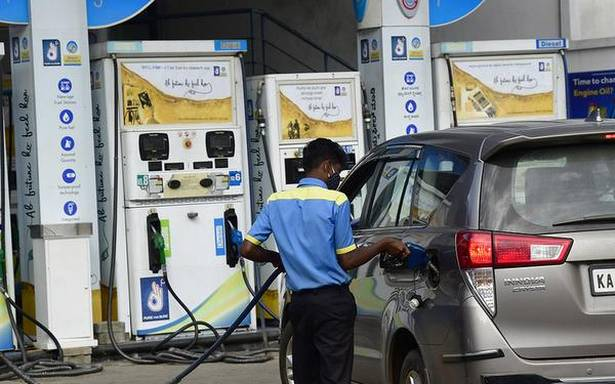Petrol price at all-time high, diesel crosses ₹81 in Mumbai