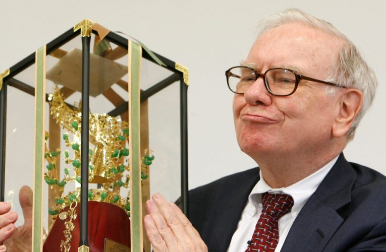 Warren Buffett's Berkshire Hathaway has quietly racked up a $6 billion gain on its GM and BYD bets