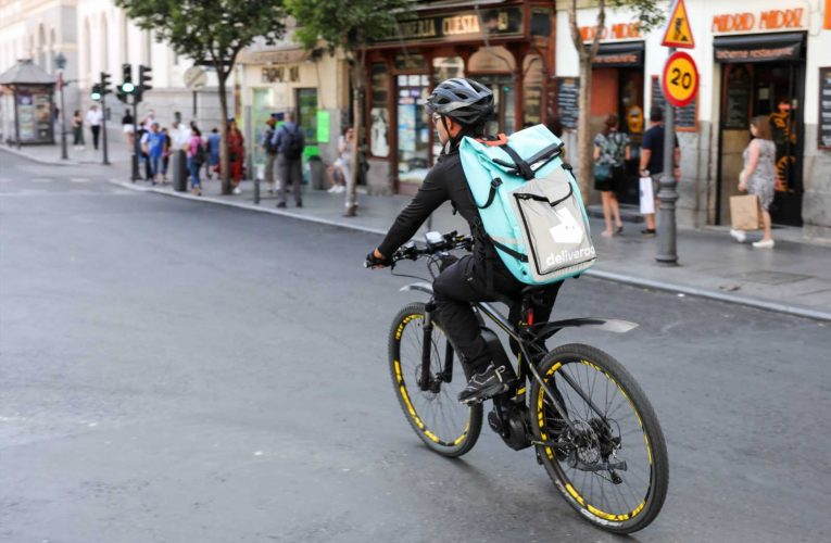 Why Amazon-backed food delivery app Deliveroo flopped in its market debut