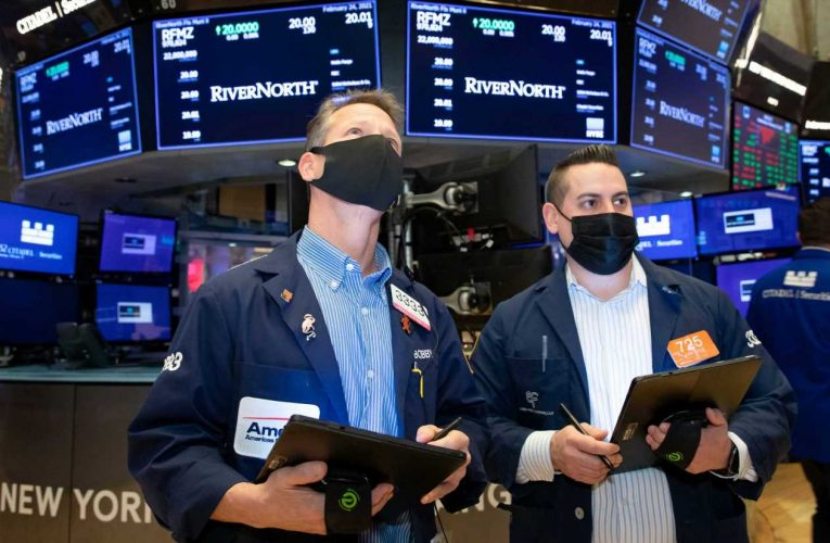 Stocks making the biggest moves midday: DraftKings, Boeing, Wayfair and more