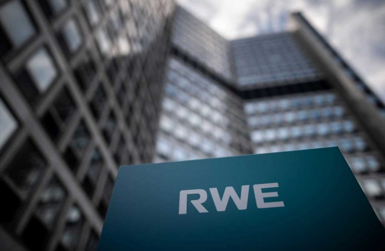 Hydrogen is currently the only solution to decarbonize some industries, RWE exec says