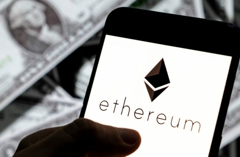 A crypto technical analyst breaks down why ethereum is set to rise to $3,000 and is a better investment than bitcoin right now — and explains how he analyzes when to buy a cryptocurrency
