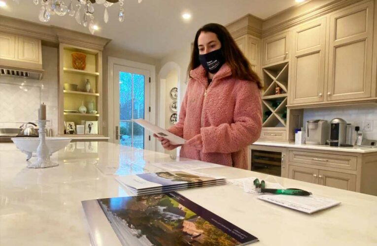 """""""This is not the time for amateurs,"""" says real estate agent of fiercely competitive housing market"""
