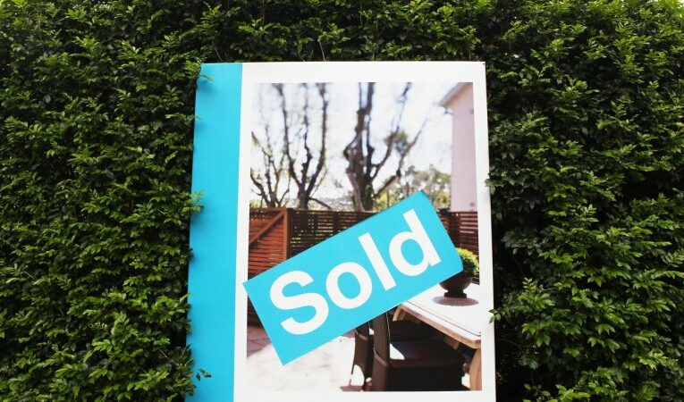 Booming property market stokes household debt concerns