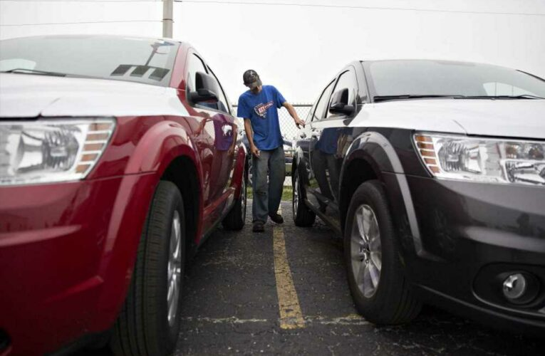 Car shoppers, seeking Memorial Day deals, face high prices, few discounts and low inventory