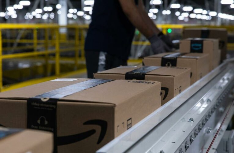 This is what it's like to work in an Amazon warehouse