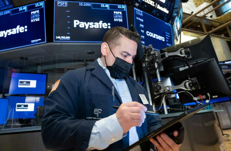 U.S. Treasury yields fall ahead of private payrolls report
