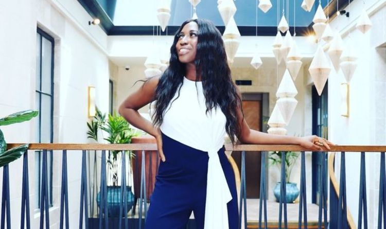 Finance professional turns 'eye for fashion' into side business