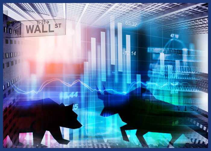 Dow Closes Modestly Lower After Reaching Record High In Early Trading