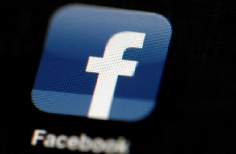 Slain reporter's father takes on Facebook over violent video