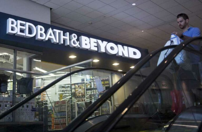 Stocks making the biggest moves midday: Bed Bath & Beyond, Kohl's, CarMax and more
